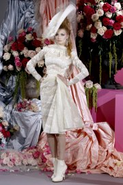 Haute Couture Pavasaris 2010 pagal Christian Dior